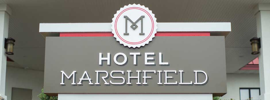Hotel Marshfield Reception Desk in Wisconsin