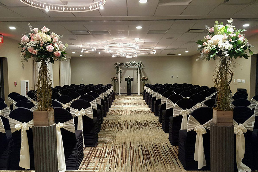 Hotel Wedding Venue in Marshfield, WI